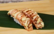 火炙三文鱼寿司图片