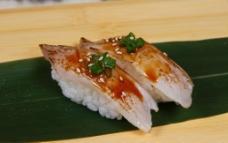 火炙立鱼寿司图片