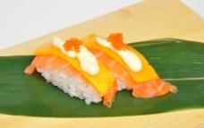 香芒三文鱼寿司图片