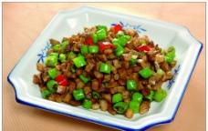 大头菜炒肉丁图片
