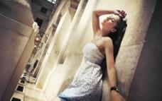 街拍裙装气质美女图片