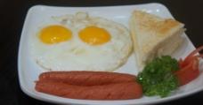 香肠双蛋拼多士图片