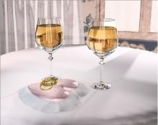 酒杯婚戒婚礼片头视频背景素材