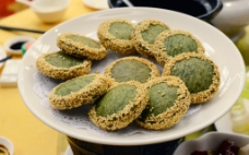 摆盘绿茶佛饼图片
