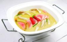 酸汤焖鹅掌图片