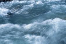 唯美祖山山泉图片